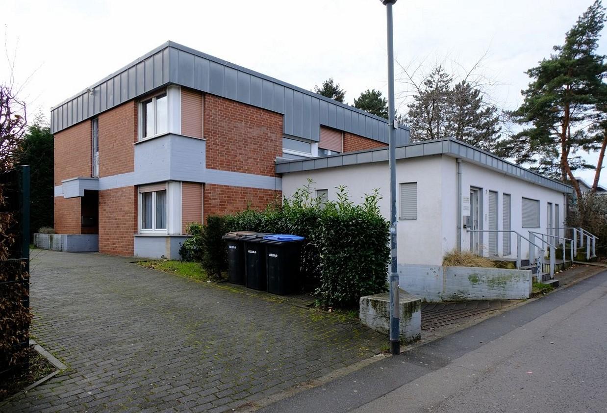 Solides Investment oder selber nutzen Großzügiges EFH mit Praxisfläche in bester Lage in GV-Südstadt
